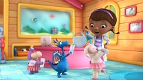 Doc McStuffins: Big Head Hallie / Peaches Pie, Take a Bath!: Watch the Full Episode Now